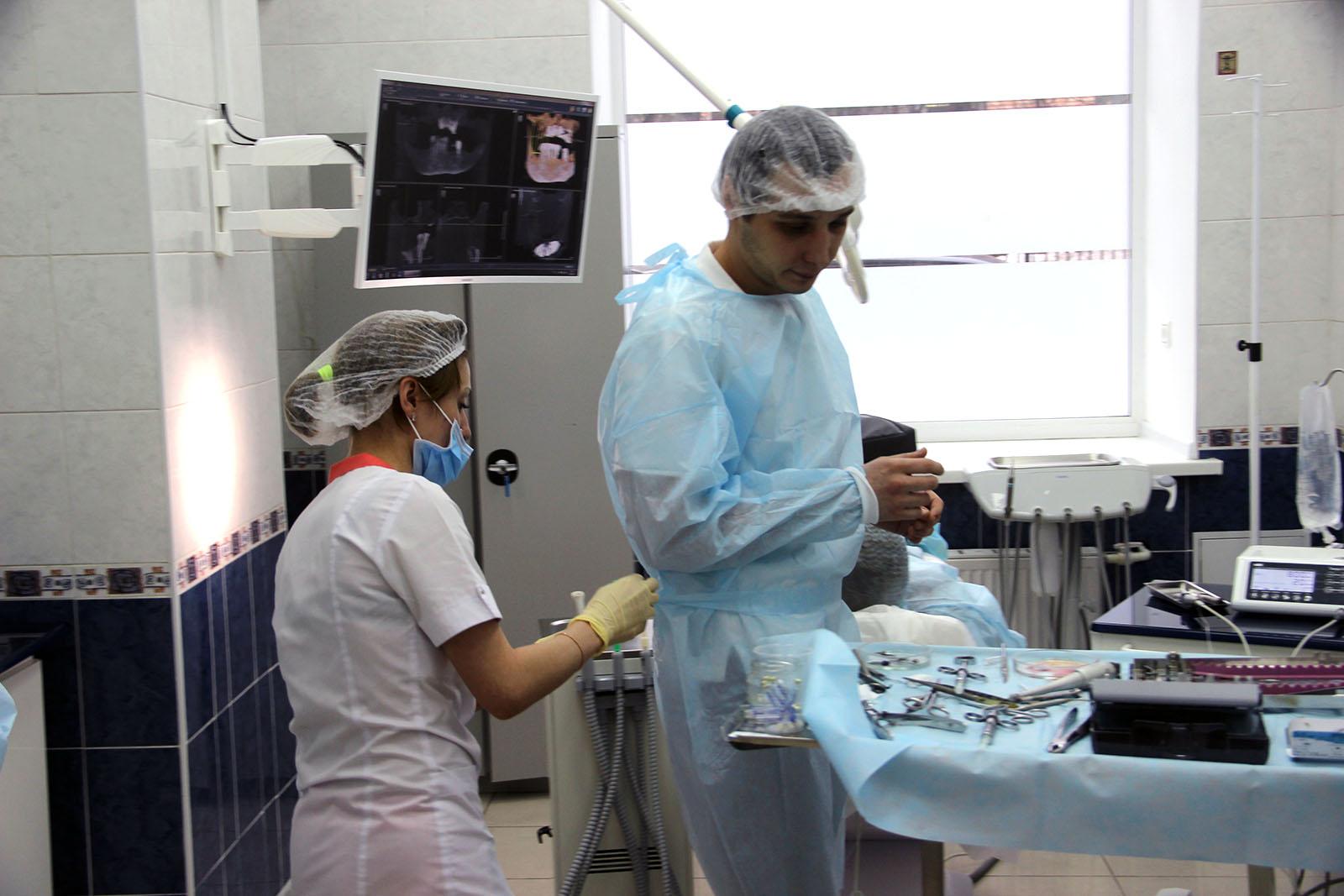 Заур Закариев врач стоматологической клиники Зубы за 1 день